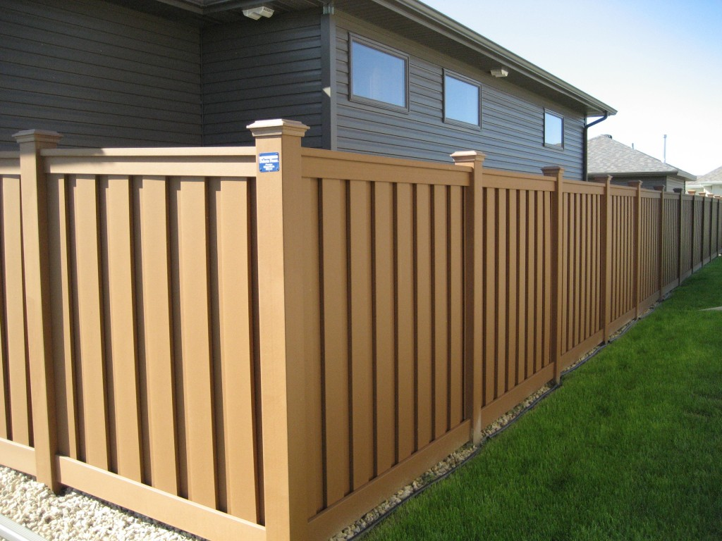 Customer installation pictures trex fencing the composite trex seclusions privacy fence saddle baanklon Gallery