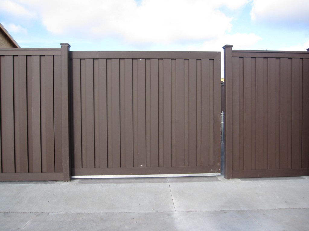 Customer installation pictures trex fencing the composite trex seclusions privacy fence baanklon Gallery