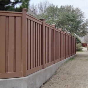 Low Maintenance Fencing - Saddle