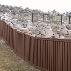Low Maintenance Fence - Saddle