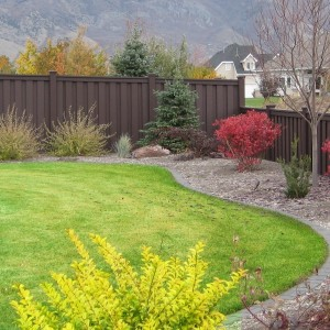 Low Maintenance Fence - Woodland Brown
