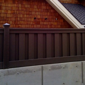 Wood Alternative Fencing - Woodland Brown