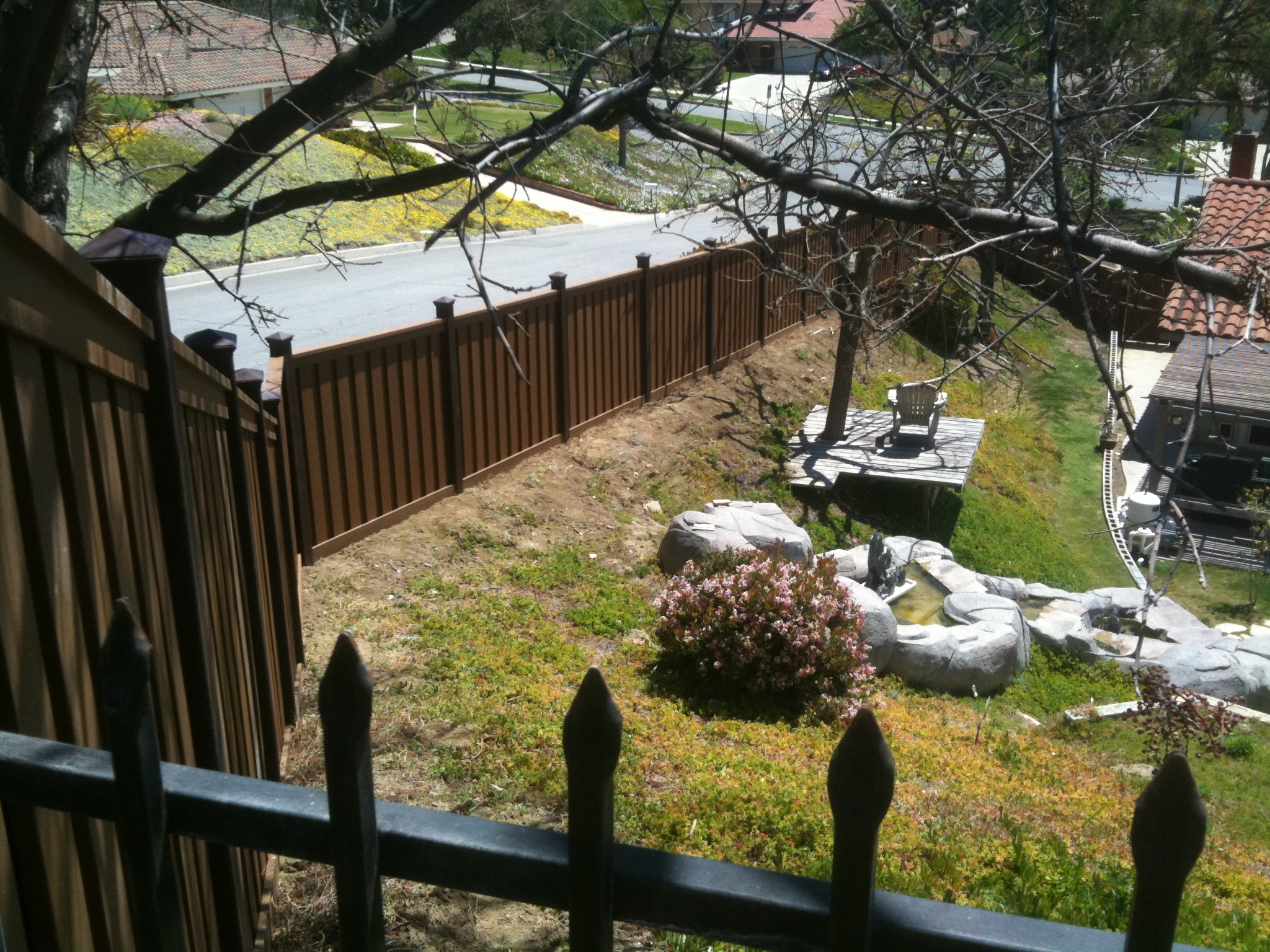 Sloping Archives - Trex Fencing, the Composite Alternative to Wood ...