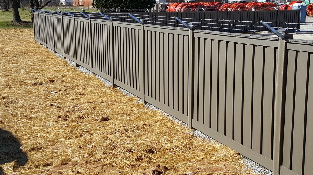 Security Fencing Archives Trex Fencing The Composite