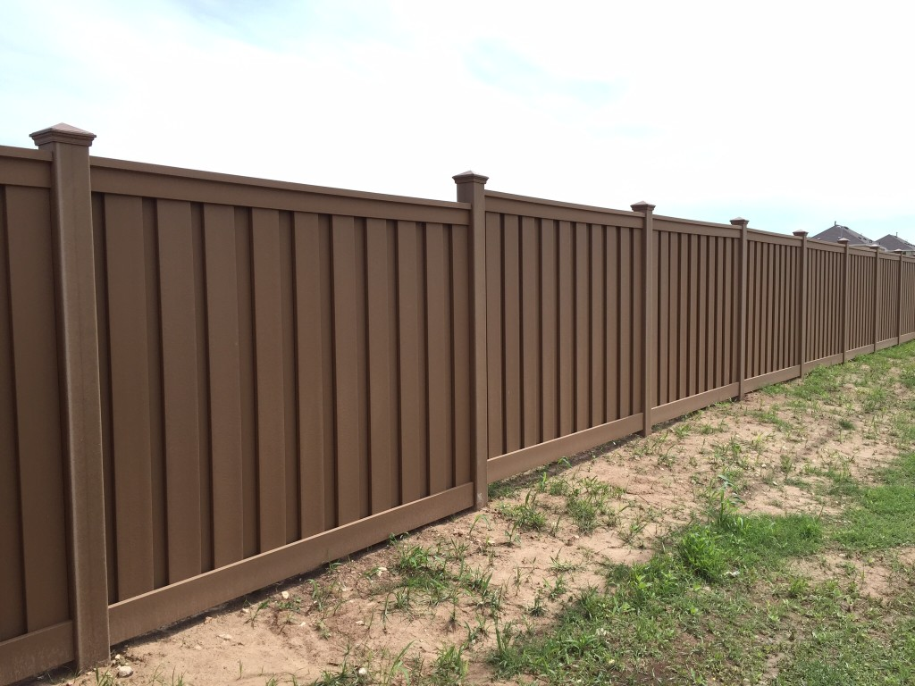 Trex fencing installed in Austin's Colony, Austin Texas