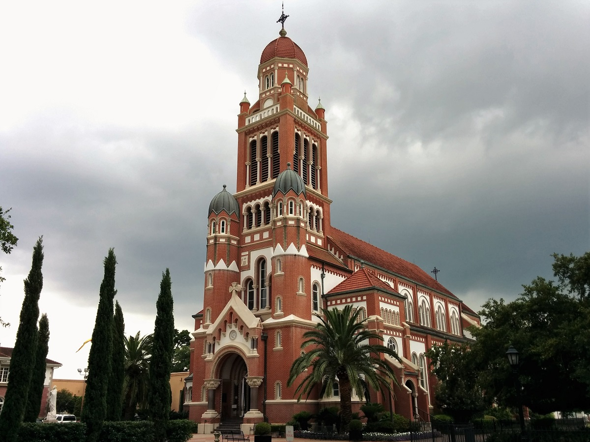cathedral in lafayette louisiana