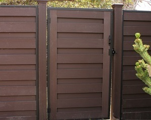 Example gate for Trex Horizons horizontal fencing