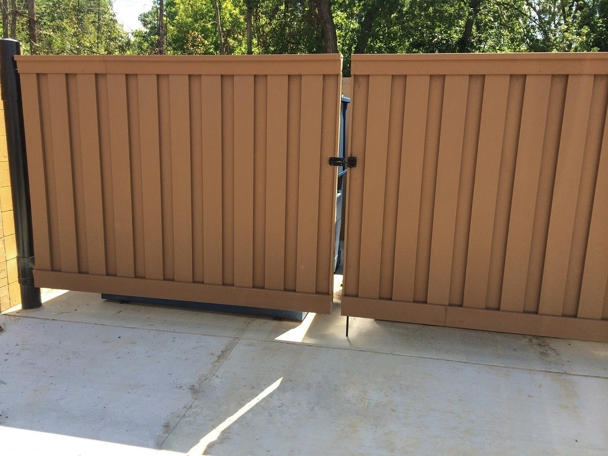 Blog trex fencing the composite alternative to wood vinyl panera bread dumpster enclosure using trex gates baanklon Gallery