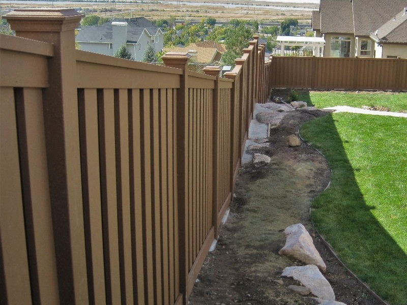 Racked fence panel from Trex