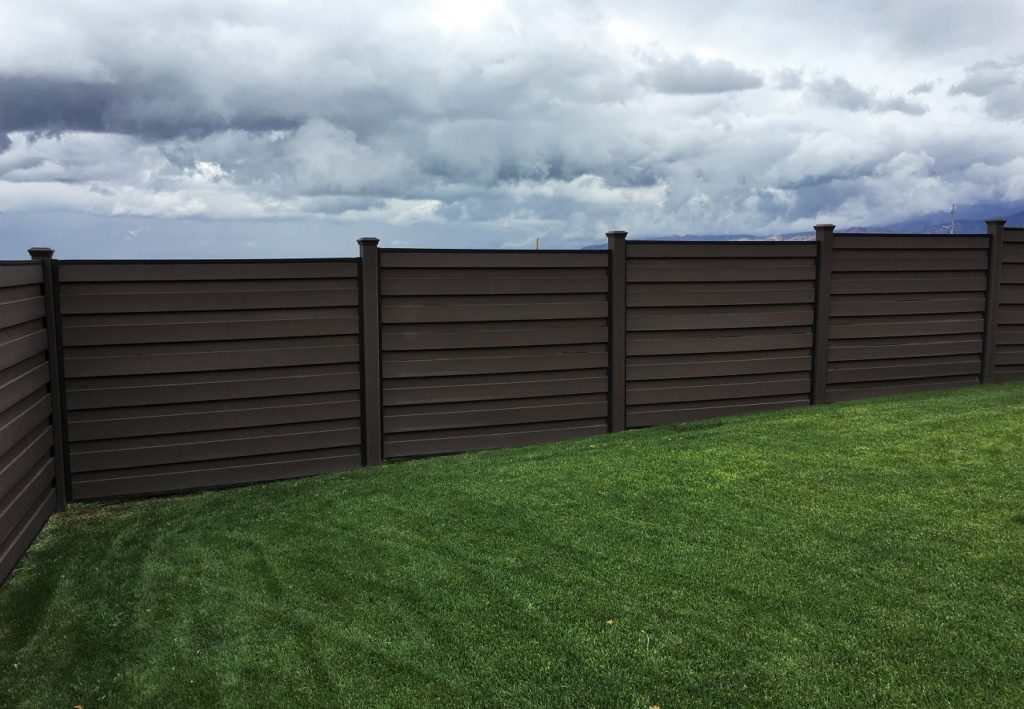 Installing a Trexs Horizon fence in a stair stepping manner