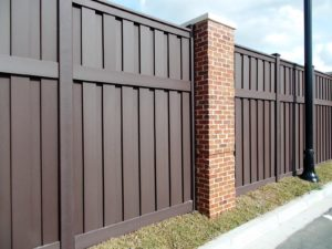 Trex Fencing With Brick Columns Trex Fencing The Composite Alternative To Wood Vinyl