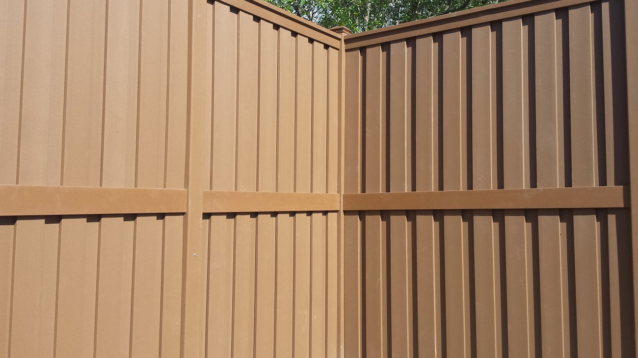 "120"" tall Trex Fencing"